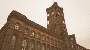 Alexanderplatz w czasach NRD - Rotes Rathaus